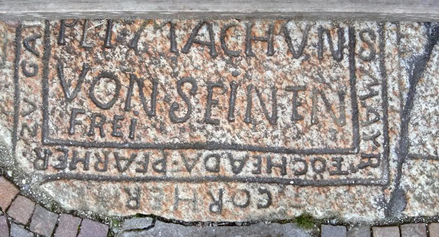Inschrift an der Pfarrkirche von Gais. Foto: A. Oberhofer